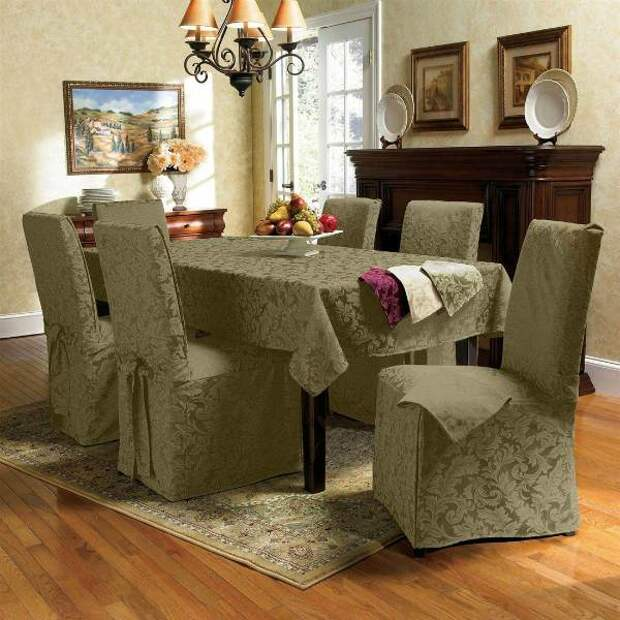 Чехлы и украшение стульев
