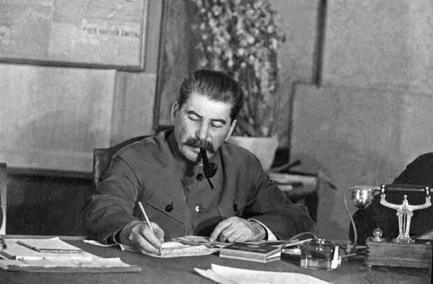 Привычки великих диктаторов. Иосиф Сталин