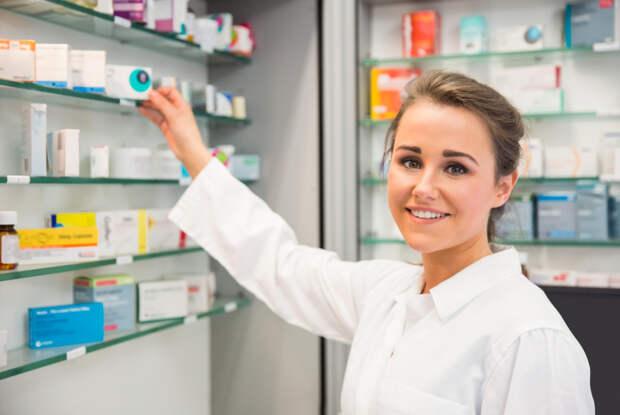 Российская вакцина от коронавируса появится в аптеках уже в августе