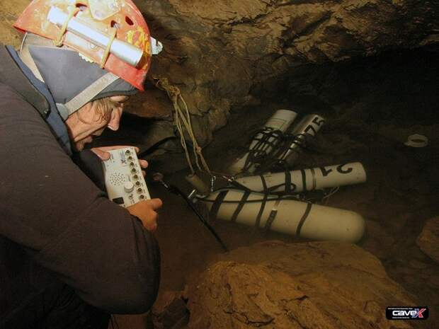 Самая глубокая в мире пещера (27)