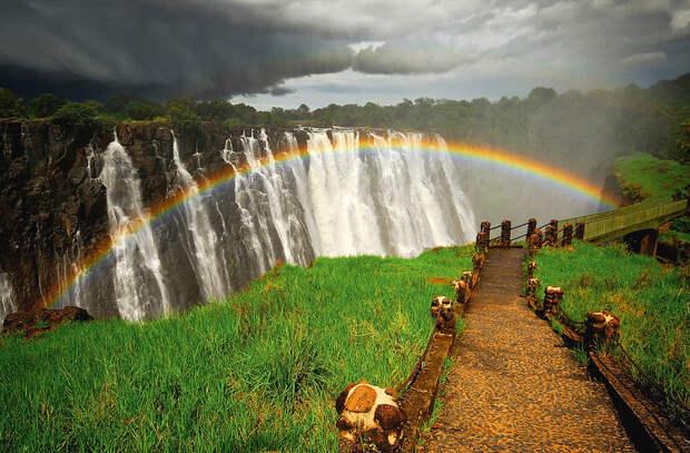 rainbow01 Радуга над самым большим водопадом в мире