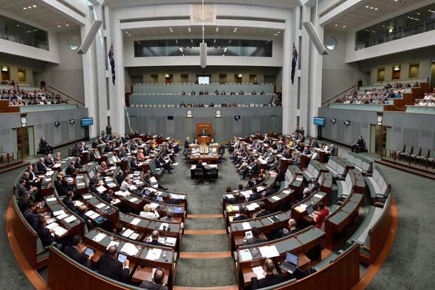 Сотрудников парламента Австралии поймали за занятием сексом в молельной комнате