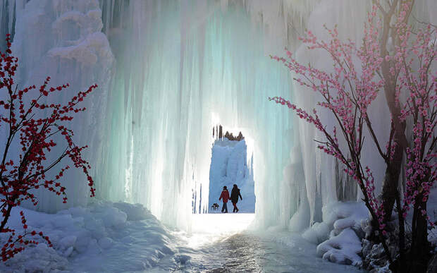 Замёрзший водопад