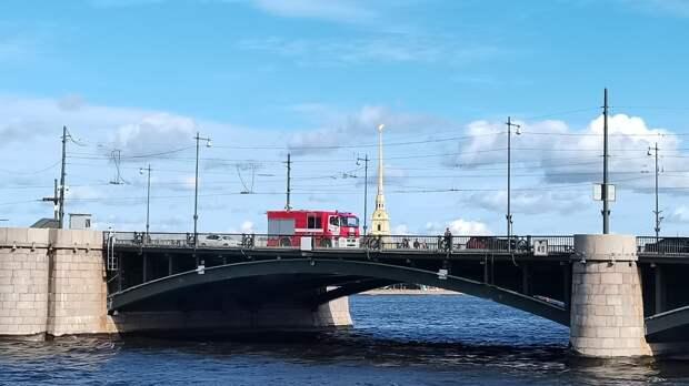 Реконструкция Биржевого моста изменит схему движения автомобилей в Петербурге