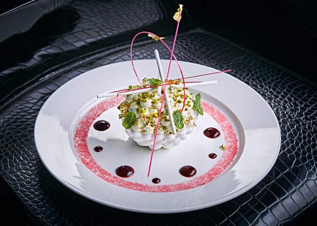Павлова со свежими ягодами! Рецепт от шефа