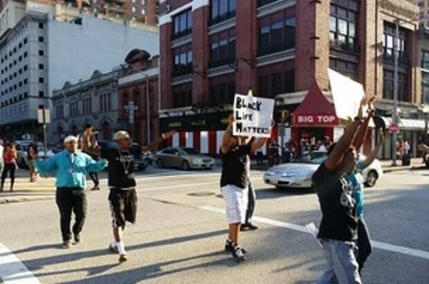 В Балтиморе не утихают протесты против полицейской жестокости из-за гибели афроамериканца