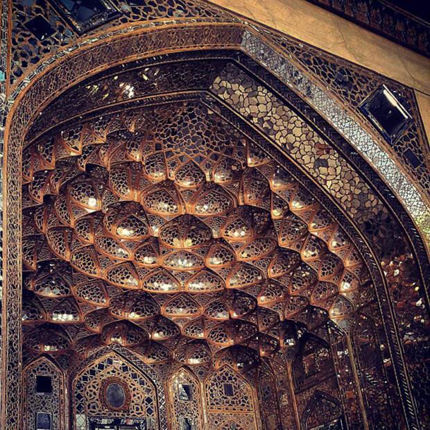 Шедевр янтарной мозаики.