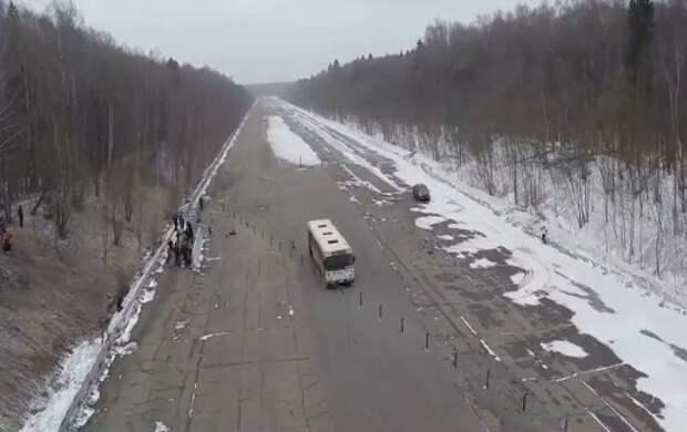 Росавтодор проверил тросовые ограждения рейсовым автобусом с каскадером