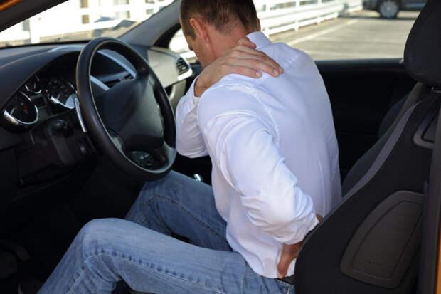 Как правильно сидеть за рулем, чтобы не болела спина