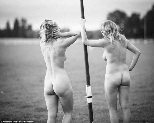Женская команда по гребле Уорикского университета разделась для календаря