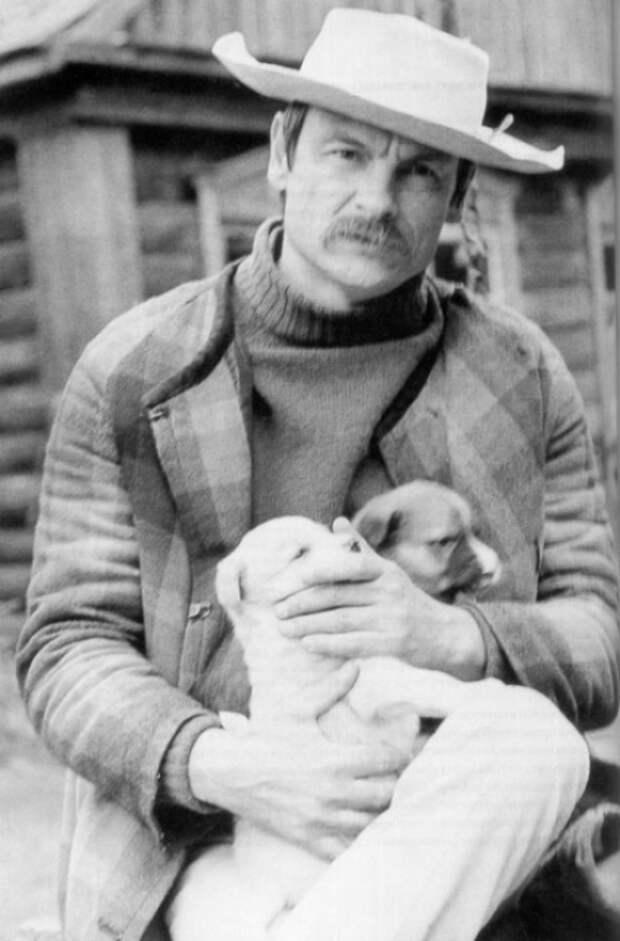 Андрей Тарковский во время съемок фильма «Зеркало», 1975 год.
