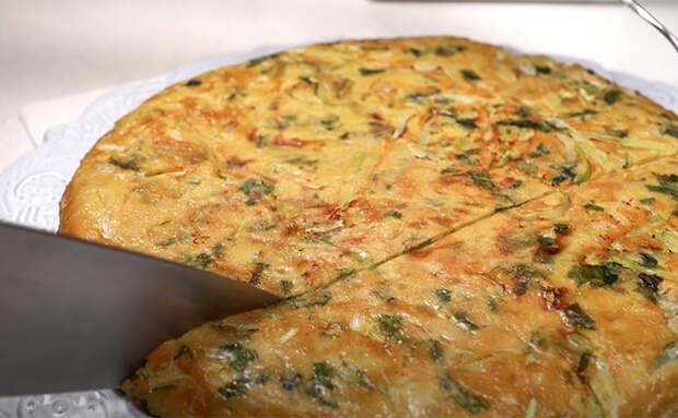 Капустный пирог из сплошной начинки: готовим всего с двумя ложками муки