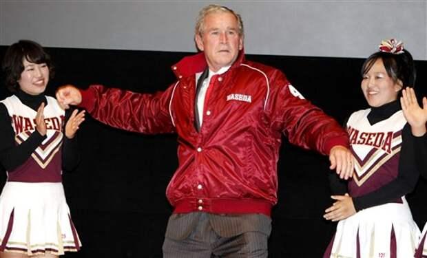 Похлопывая Кастро по плечу: самые нелепые конфузы с американскими политиками за рубежом