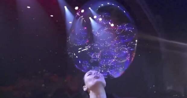 Такое шоу мыльных пузырей поразит любого. 16 попаданий в Книгу рекордов Гиннесса — это не шутки!