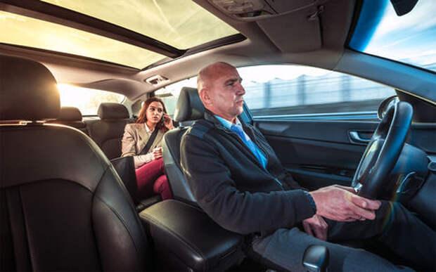 Самое безопасное место в машине – за водителем?