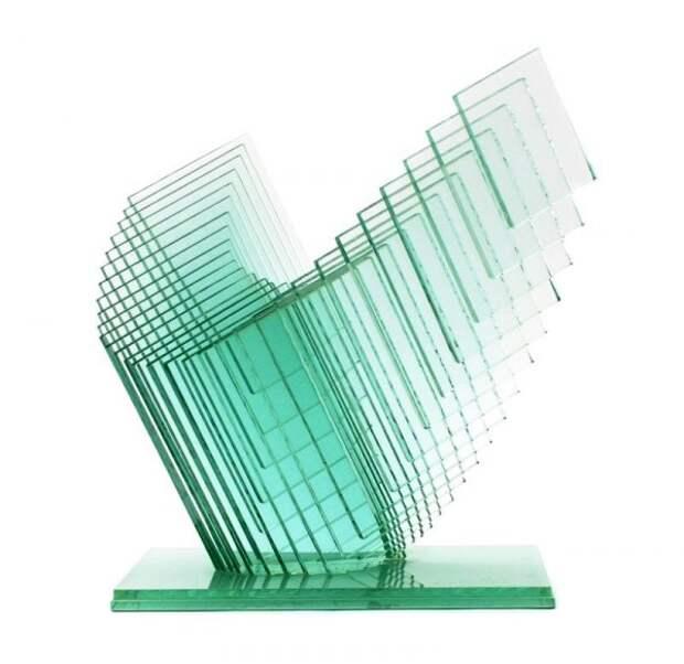 Скульптуры из оконных стёкл