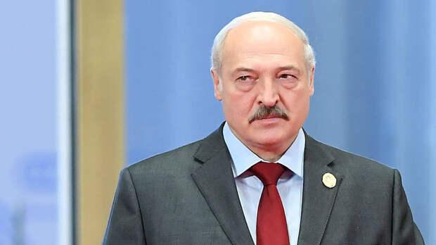Лукашенко: я пока живой и не за границей