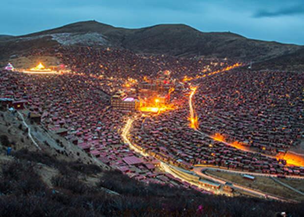 Ларунг Гар: 40 тысяч буддистов на большой высоте