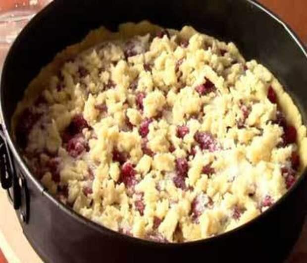 Как приготовить тертый пирог с малиной — рецепт с фото