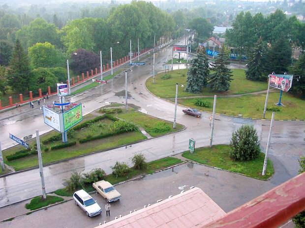 Жители Симферополя устроили народный сход из-за домогательств уроженцев Чечни к несовершеннолетней
