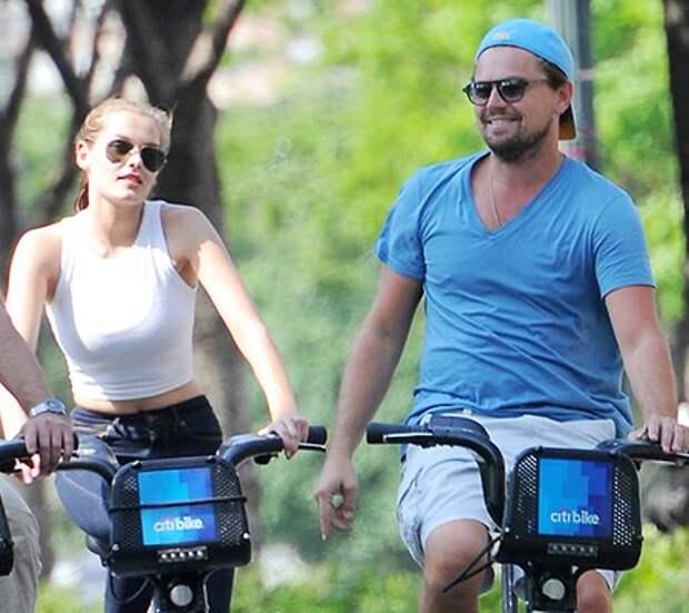 Леонардо ди Каприо совершил велопрогулку по улицам Нью-Йорка с новой пассией
