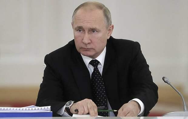 Путин пообещал силовикам больше денег и льгот