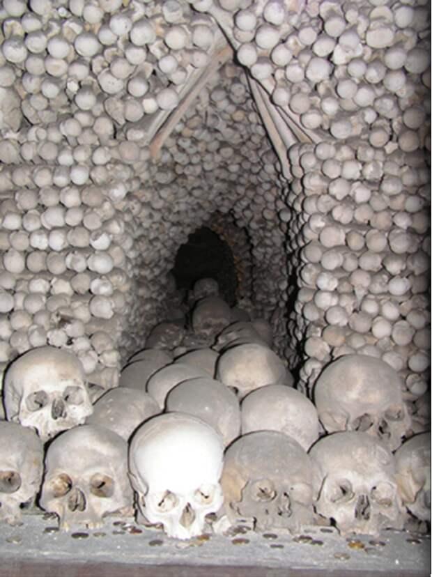 Зловещая красота: костехранилище в городке Кутна Гора