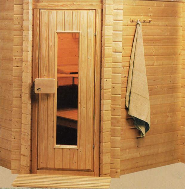 установка двери в сауне