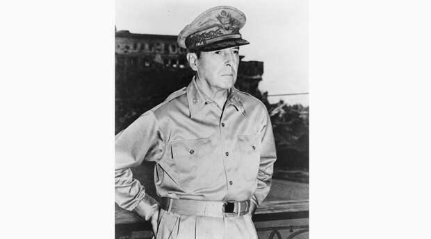 Генерал Дуглас Макартур