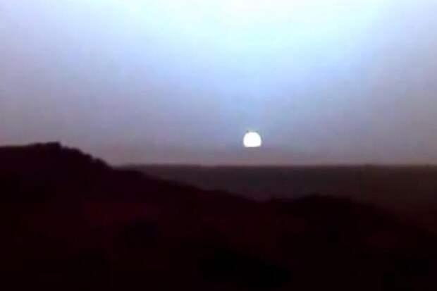 Марсоход  снял уникальные кадры заката солнца с Марса