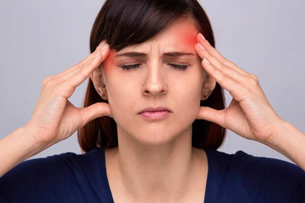 Врач объяснил, почему нельзя терпеть головную боль