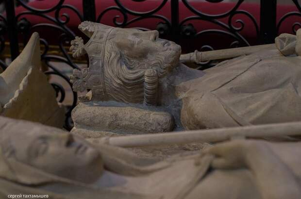 Погребение правителей в средневековой Европе