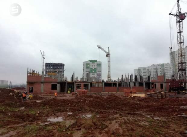 Глава Удмуртии пообещал закончить строительство школы на улице Берша в Ижевске в 2020 году
