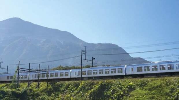 Японцы восхищаются поездом, в котором как дома