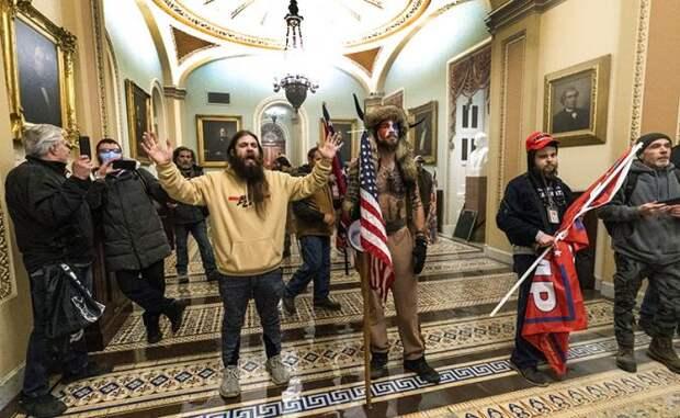 Сторонники Трампа напоследок в Вашингтоне действительно «прищемили хвост» либералам