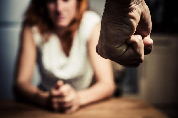 Бьет – значит любит? Как защититься от домашнего насилия. Советы специалиста