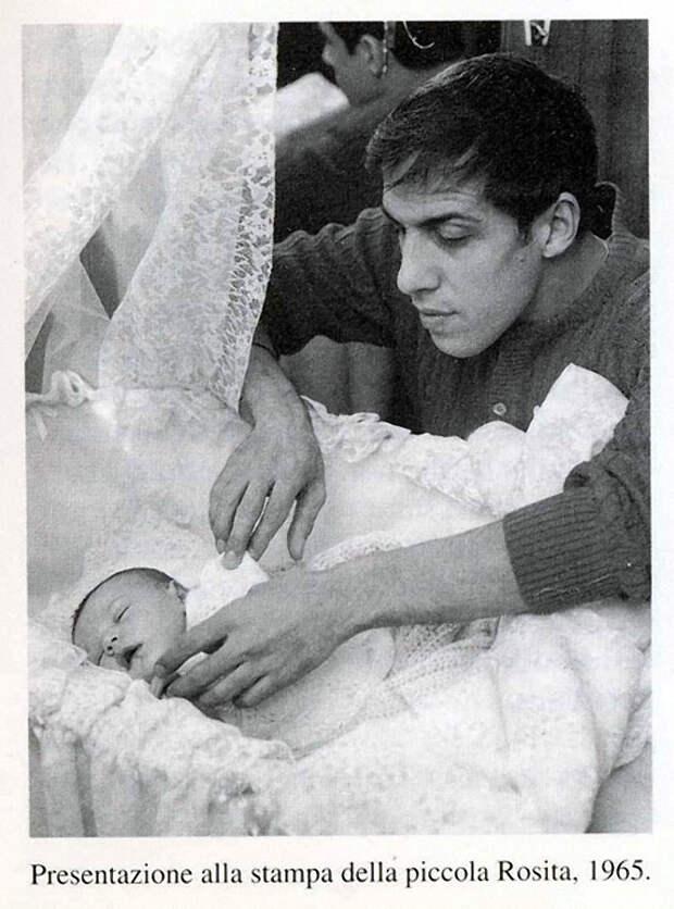 Адриано Челентано, Клаудия Мори и их дочь Розита. 1965 год