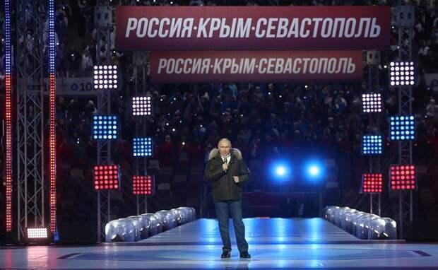 Владимир Путин поздравил россиян с годовщиной воссоединения Крыма с Россией
