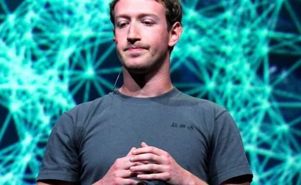 Трамп под цензурой: вFacebook освистали иобвинили вкоррупции Цукерберга