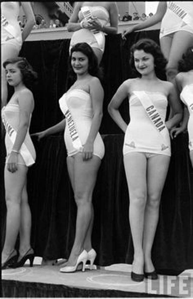 """Первый конкурс """"Мисс Вселенная"""", 1952"""