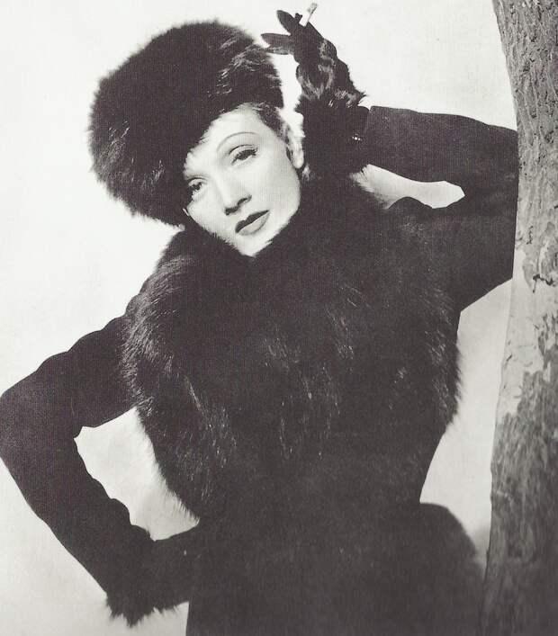 1936. Марлен на снимке Сесила Битона