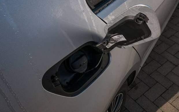 «РГ»: Старое топливо может негативно влиять на состояние автомобиля