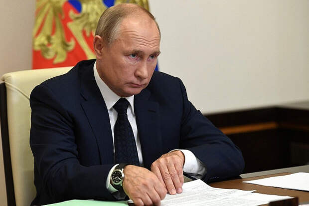 Путину поставили двойку заподдержку молодых семей