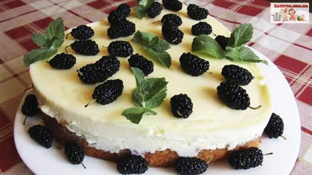 Ягодный пирог со сметанным кремом