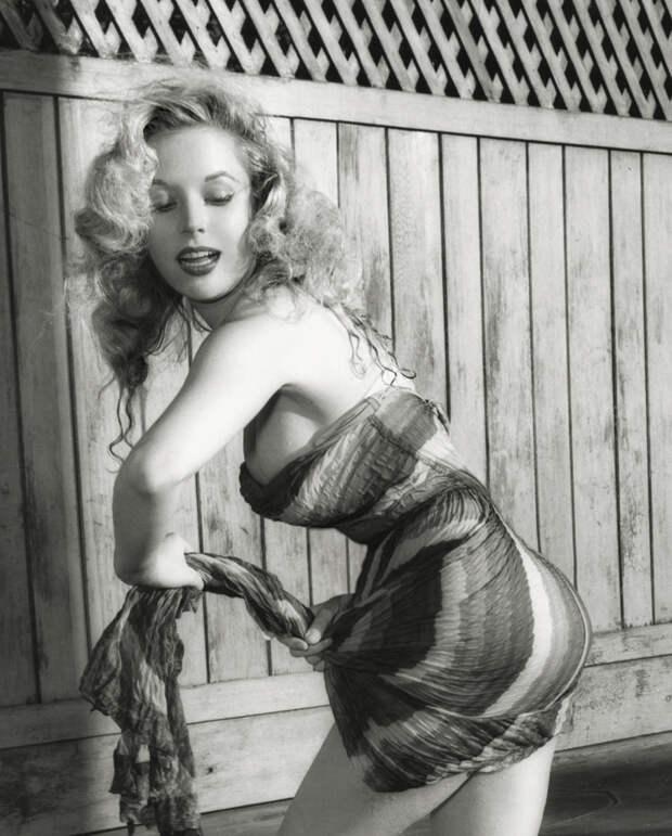 Та, что была до Мэрилин Монро. Самая соблазнительная красотка 50-х