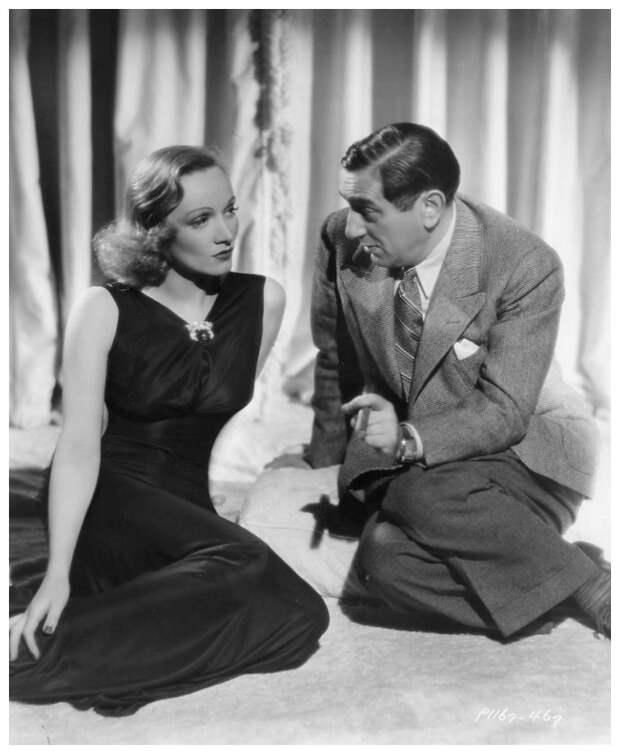 1937. Марлен Дитрих и Эрнст Любич на съемках «Ангела»