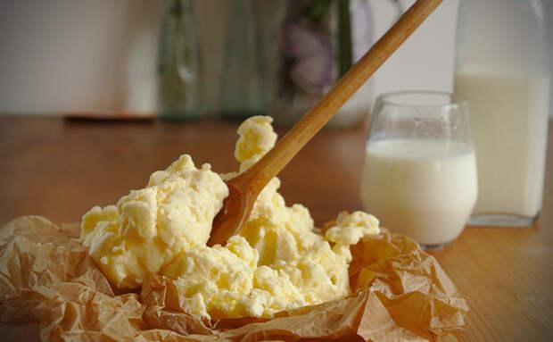 Домашнее масло за 15 минут. Делаем из одного ингредиента: сметаны