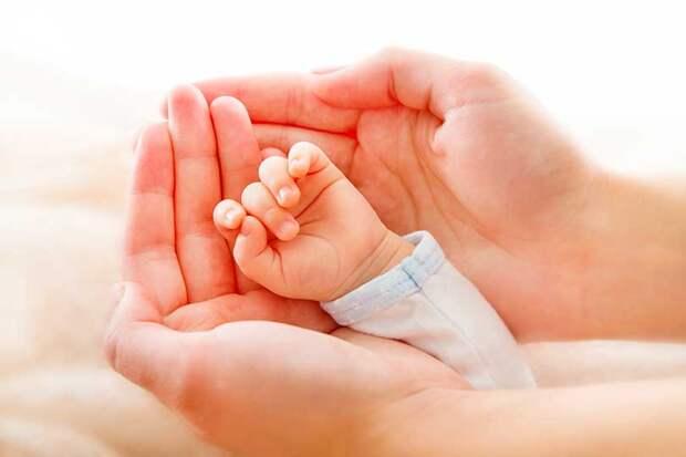 Недоношенный ребенок с коронавирусом был спасен врачами из Челябинска