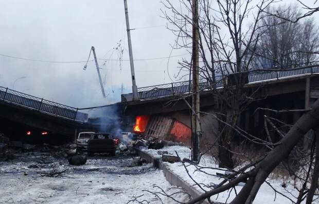Минобороны ДНР: киевские силовики открыли огонь по позициям ополченцев