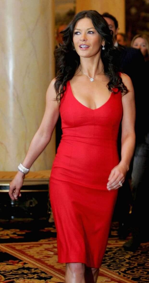 Catherine Zeta- Jones red dress1